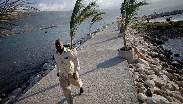 Власти Гаити эвакуируют граждан из-за урагана «Мэтью»