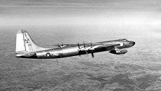 Бомбардировщик B-36 Миротворец ВВС США, способный нести ядерное оружие. Архивное фото