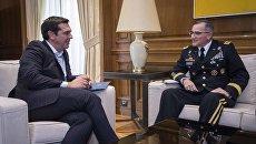 Встреча премьер-министра Греции Алексиса Ципраса с верховным главнокомандующим ОВС НАТО в Европе Кертисом Скапаротти