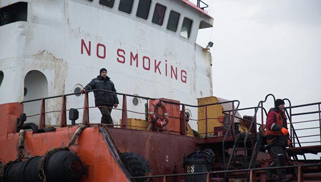 Из-за загрязнения акватории близ Сахалина капитан танкера заплатит штраф