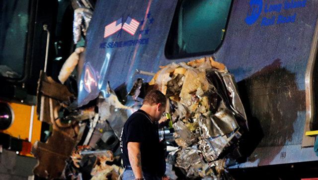 ВНью-Йорке сошел срельсов поезд: около 30 раненых