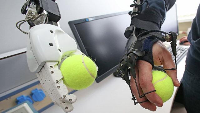 Самарские ученые снабдят космического робота «человеческими» руками