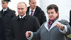 Президент РФ Владимир Путин и губернатор Владимирской области Светлана Орлова. Архивное фото