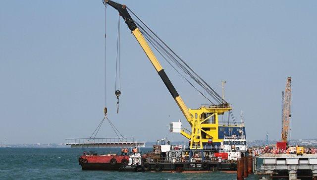 МЧС Крыма пока не подтверждает гибель моряков с плавучего крана