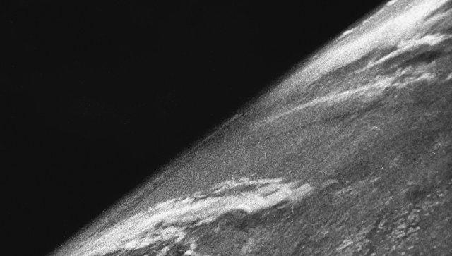 Первый снимок Земли из космоса. Архивное фото