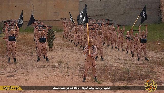 Боевики Исламского государства в окрестностях Мосула, Ирак. Архивное фото
