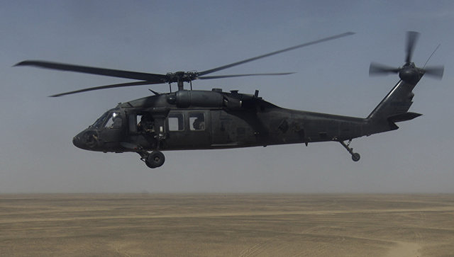 Американский многоцелевой вертолет Sikorsky UH-60 Black Hawk (Черный ястреб). Архивное фото