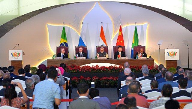Встреча лидеров стран БРИКС в отеле Taj Exotica в индийском штате Гоа