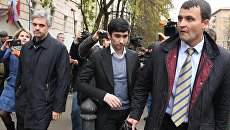 Сын вице-президента Лукойла Руслан Шамсуаров после оглашения приговора у здания Гагаринского суда Москвы