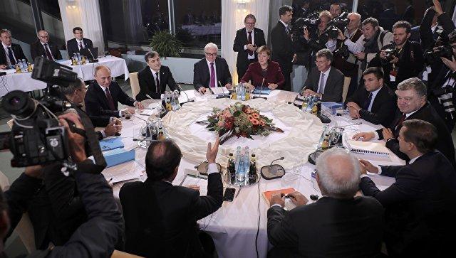 В Берлине  Путин и Порошенко не пожали друг другу