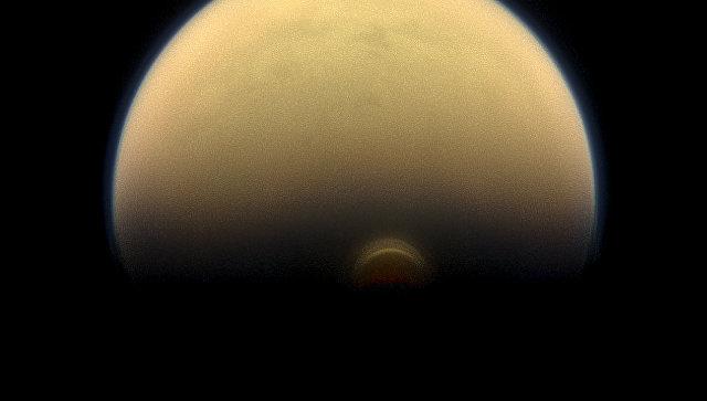 Астрономы впервый раз увидели наступление зимы наТитане