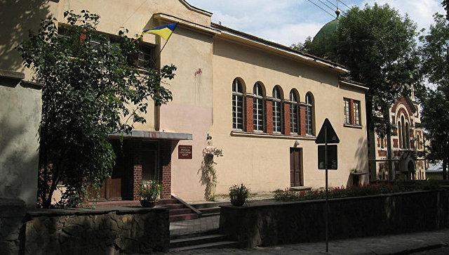 Львовский облсовет принял решение выселить русский культурный центр