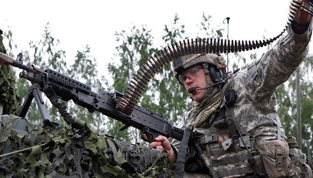 Пьяные солдаты НАТО устроили драку в литовском баре