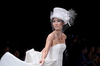 Модель во время Недели моды в Джакарте