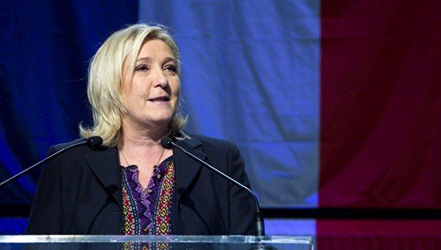 Лидер политической партии Национальный фронт Марин Ле Пен после итогов региональных выборов в северной Франции. Архивное Фото.
