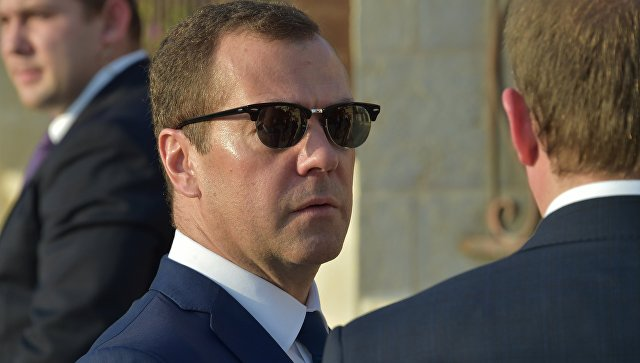 Деградацию отношений Российской Федерации иЕС нужно заканчивать — Медведев