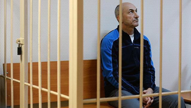 Заместитель губернатора Кемеровской области Алексей Иванов в Центральном районном суде Новосибирска. 15 ноября 2016