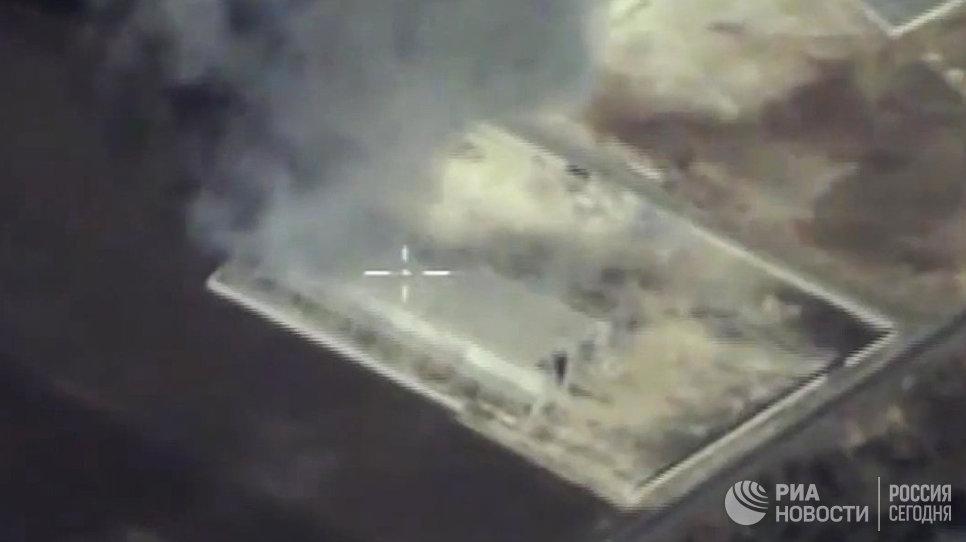 Удар крылатой ракетой Оникс по складу вооружения и военной техники незаконных вооруженных формирований в Сирии