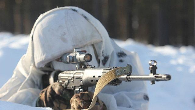 Снайперы Западного военного округа отрабатывают стрельбу по мишеням с хаотичными траекториями движения