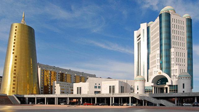 Здание парламента Республики Казахстан, архивное фото