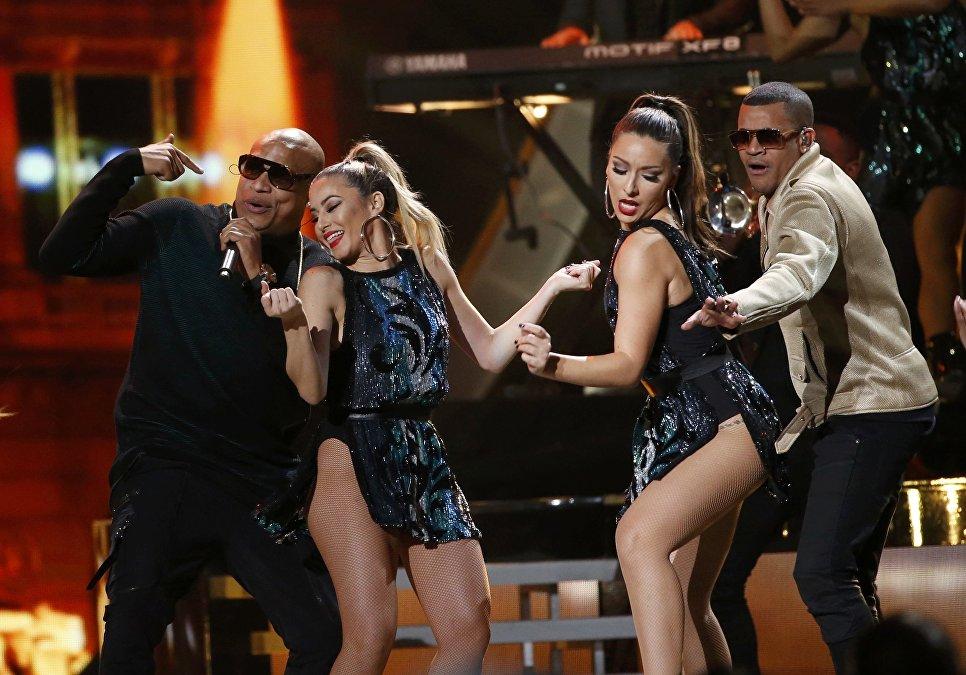 Александер Дельгадо и Рэнди Малком Мартинес на 17-й ежегодной Latin Grammy Awards в Лас-Вегасе США