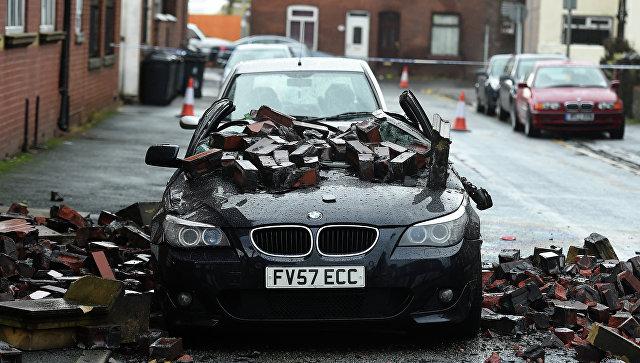 Кберегам Британии приближается сильный шторм