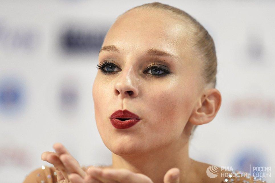 Яна Кудрявцева (Россия) на чемпионате мира по художественной гимнастике в Измире