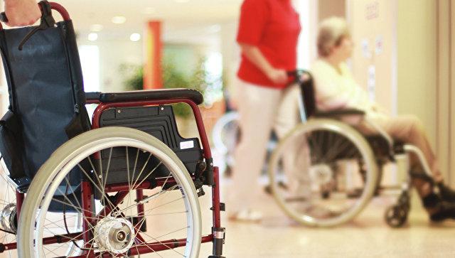 Люди в инвалидных креслах. Архивное фото