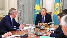 Заместитель председателя правительства России Дмитрий Рогозин и президент Казахстана Нурсултан Назарбаев во время встречи в Астане. 2 декабря 2016