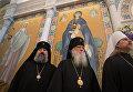 Священнослужители на службе в Троицком кафедральном соборе при Русском духовно-культурном центре в Париже