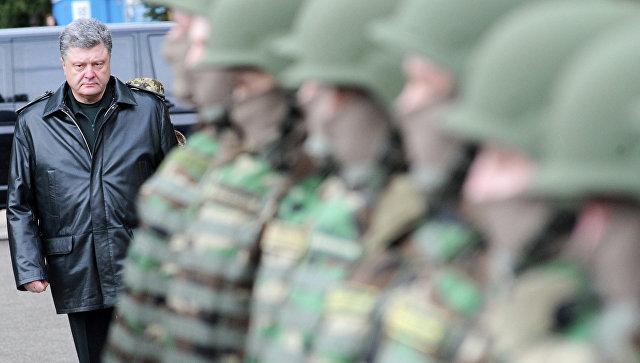 Президент Украины Петр Порошенко началом украинско-американских учений