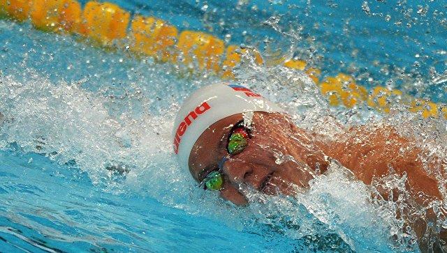 Жители России завоевали золото вэстафете наЧМ поплаванию вкороткой воде