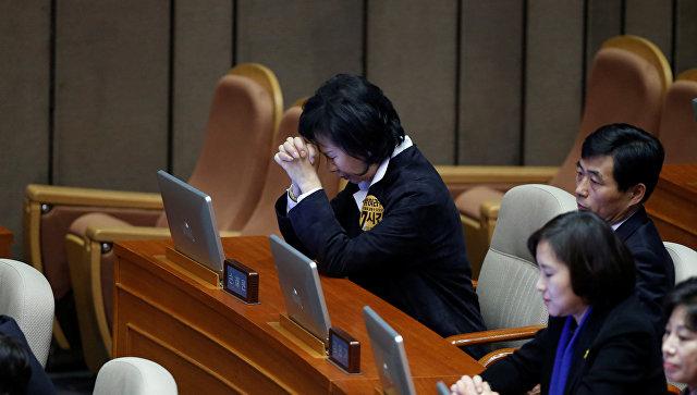Президент Южной Кореи сказала полномочия премьеру