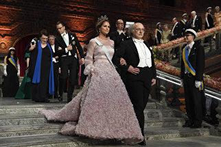 Принцесса Мадлен и Нобелевский лауреат по физике Данкан Холдейн на Нобелевском банкете в мэрии Стокгольма