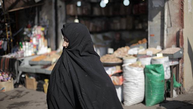 ВСаудовской Аравии милиция задержала снявшую абайю женщину