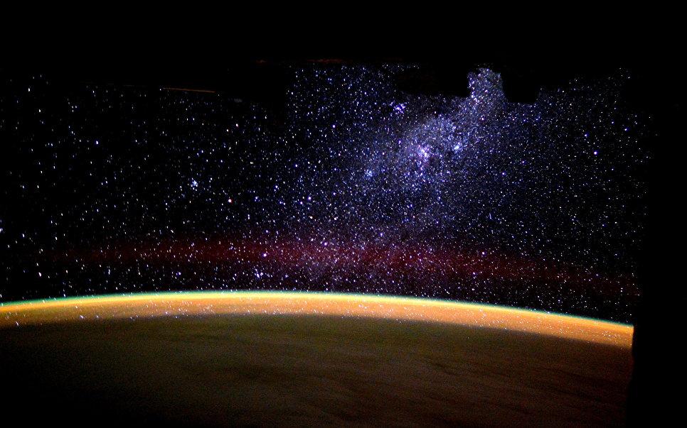 Фотография Млечного Пути снятая астронавтом ESA Тимом Пиком