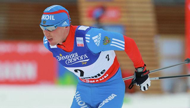 Лыжник Легков взял бронзу вмасс-старте Кубка мира