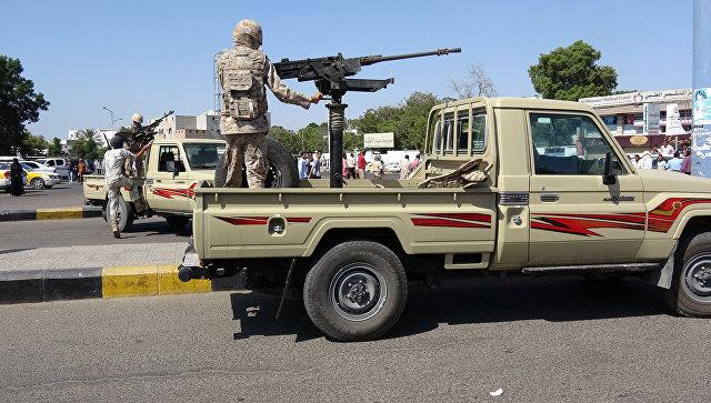 ВЙемене подорвался смертник, минимум 20 военных погибли