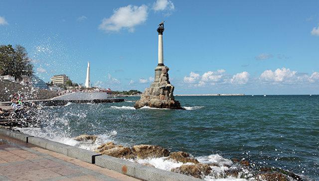 Памятник Затопленным кораблям в Севастополе. Архивное фото