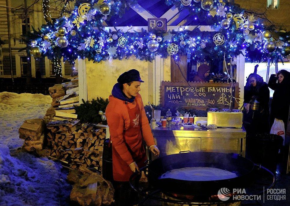 Продажа блинов на Тверском бульваре в Москве