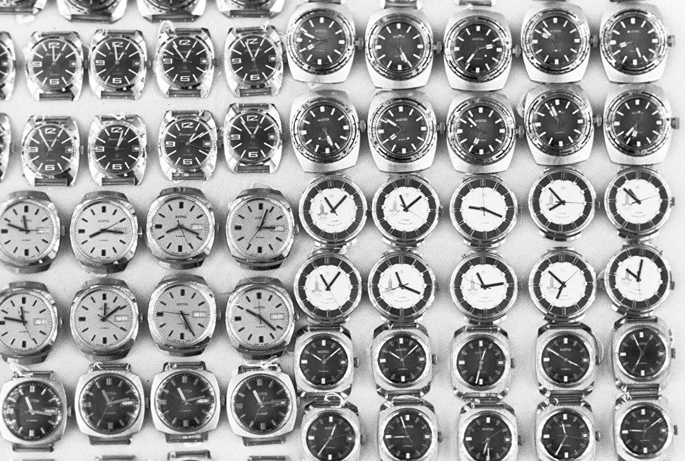 Наручные часы Восток - продукция Чистопольского часового завода (ныне Чистопольский часовой завод Восток).