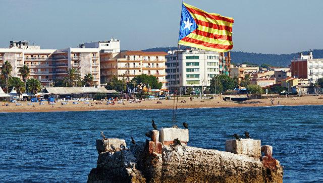 Побережье Средиземного моря в городе Бланес в Каталонии