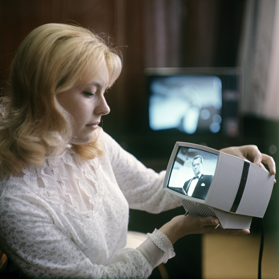 Переносная приставка к телевизору Квант, выпускаемая на Львовском заводе кинескопов.