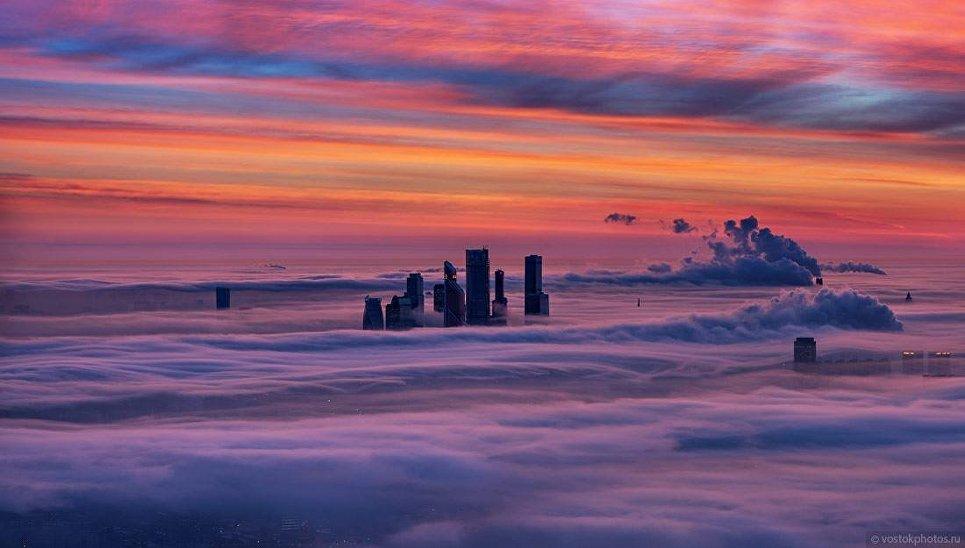 Москва под облаками. Вид со смотровой площадки Останкинской телебашни