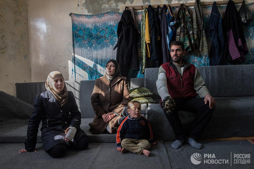 Лагерь беженцев, размещенный в здании одной из школ Дамаска. Сирия, 11.02.2016