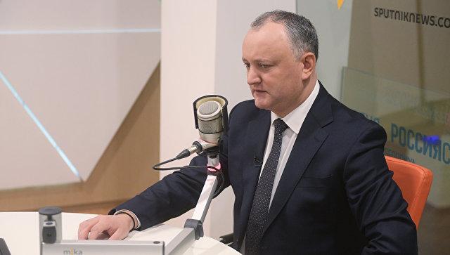 Президент Молдавии Игорь Додон во время интервью генеральному директору МИА Россия сегодня Дмитрию Киселеву