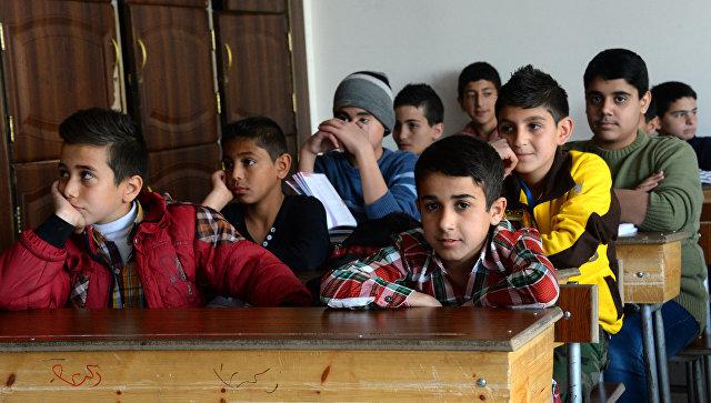 Сирийские дети в школе. Архивное фото