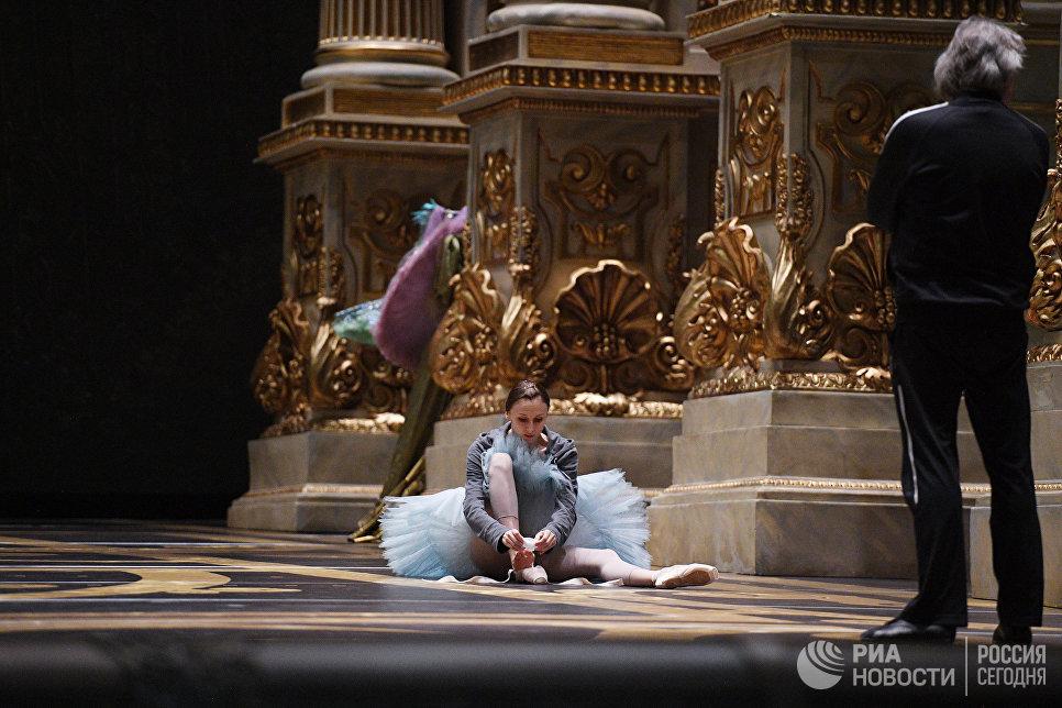 Народная артистка России, балерина Светлана Захарова