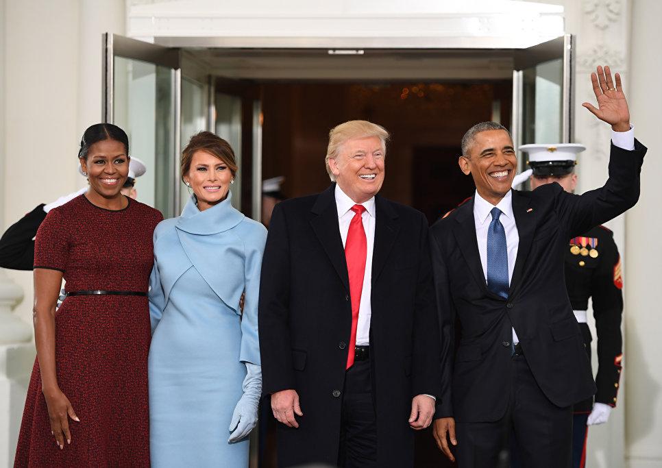Мишель Обама, Меланья Трамп, Дональд Трамп и Барак Обама в Белом доме в Вашингтоне