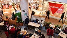 Кафе в торговом центре Охотный ряд в Москве. Архивное фото